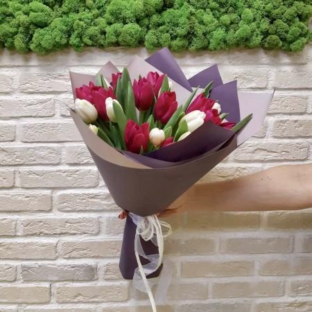Букет  из 21 Тюльпана 001